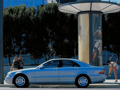 1998 Mercedes-Benz S320 ( W220 ) 6
