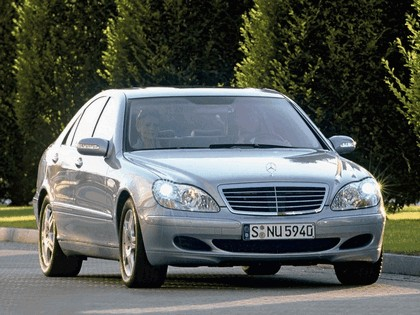 2002 Mercedes-Benz S500 ( W220 ) 4Matic 2