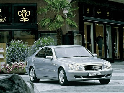 2002 Mercedes-Benz S500 ( W220 ) 4Matic 7