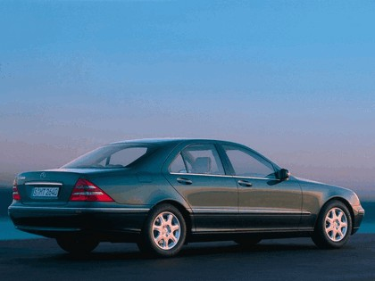 1998 Mercedes-Benz S500 ( W220 ) 3