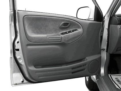 2004 Suzuki Grand Vitara 21