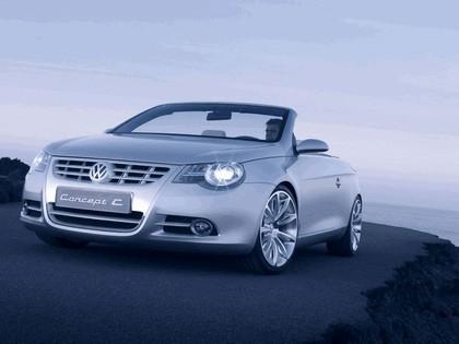 2004 Volkswagen Concept-C 5