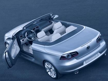 2004 Volkswagen Concept-C 16