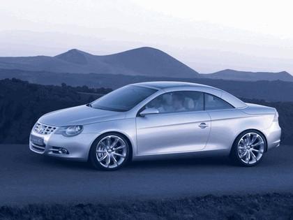 2004 Volkswagen Concept-C 17