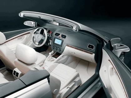 2004 Volkswagen Concept-C 23