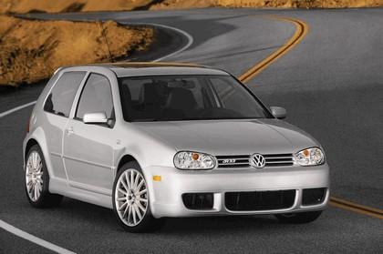 2004 Volkswagen Golf R32 1