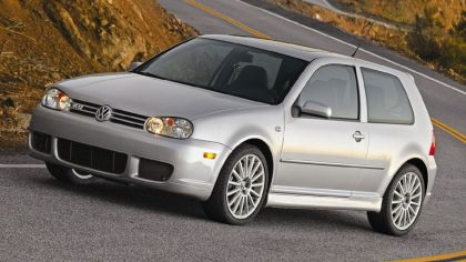 2004 Volkswagen Golf R32 1