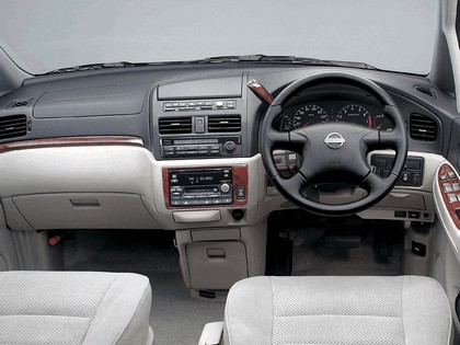 2001 Nissan Bassara ( JU30 ) 4