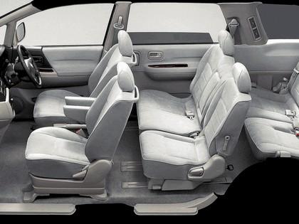 2001 Nissan Bassara ( JU30 ) 5