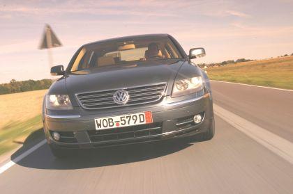 2004 Volkswagen Phaeton 5