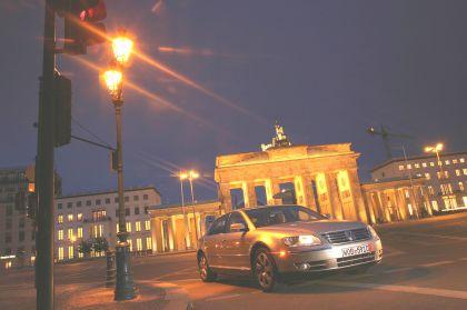 2004 Volkswagen Phaeton 13