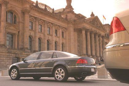 2004 Volkswagen Phaeton 15