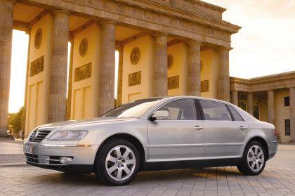 2004 Volkswagen Phaeton 16