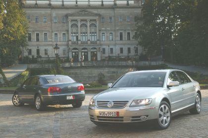 2004 Volkswagen Phaeton 19