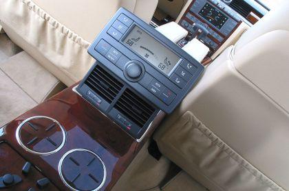 2004 Volkswagen Phaeton 30