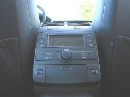 2004 Volkswagen Phaeton 33