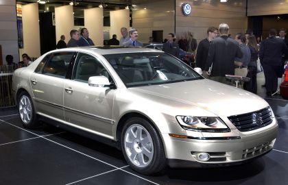 2004 Volkswagen Phaeton 36