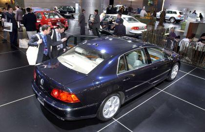 2004 Volkswagen Phaeton 37