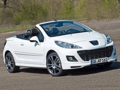 2010 Peugeot 207 CC Black & White Edition 1