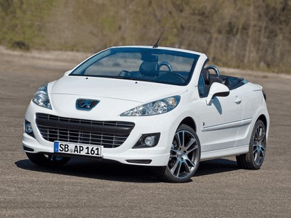 2010 Peugeot 207 CC Black & White Edition 3