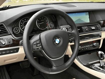 2010 BMW 550i ( F10 ) - USA version 6