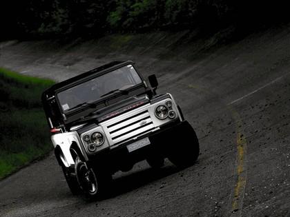 2010 Land Rover Defender by Aznom 4
