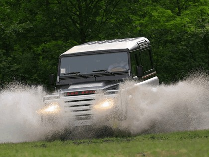 2010 Land Rover Defender by Aznom 13