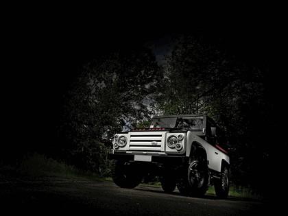 2010 Land Rover Defender by Aznom 15