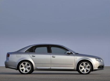 2005 Audi S4 2