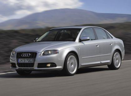 2005 Audi S4 10