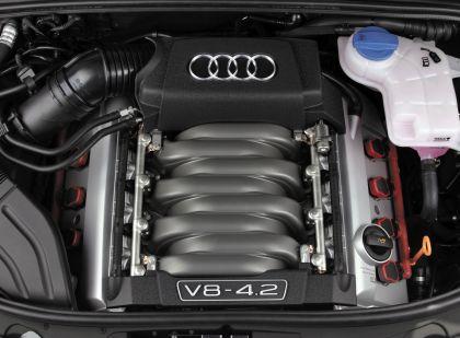 2005 Audi S4 12