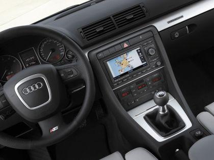 2005 Audi S4 14
