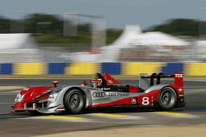 2010 Audi R15 TDI - 24hrs Le Mans 10