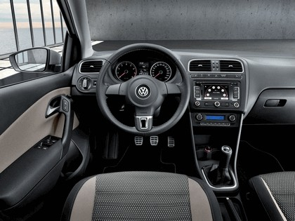 2010 Volkswagen Cross Polo 14