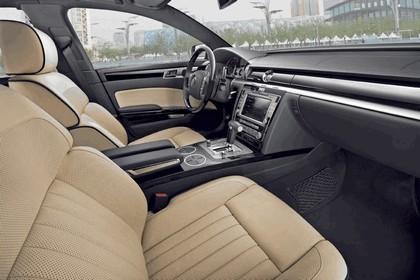 2010 Volkswagen Phaeton 25