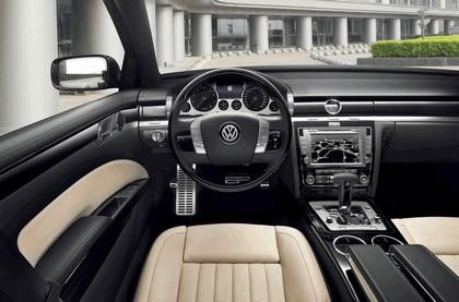 2010 Volkswagen Phaeton 26