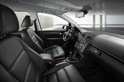 2010 Volkswagen Touran 19