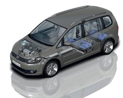 2010 Volkswagen Touran 22