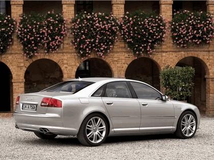 2005 Audi S8 6