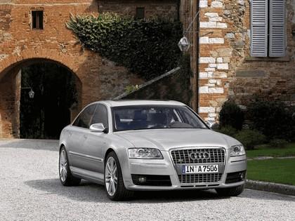 2005 Audi S8 10