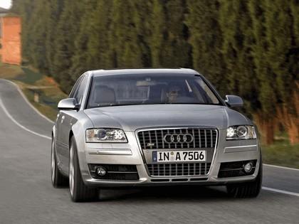 2005 Audi S8 13