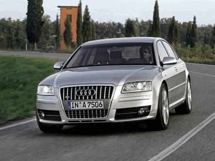 2005 Audi S8 14