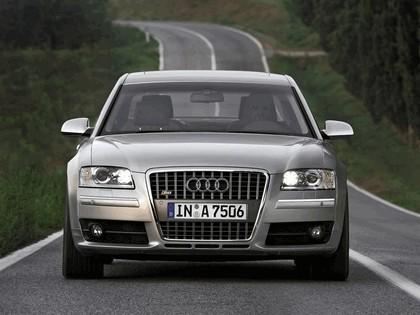 2005 Audi S8 15