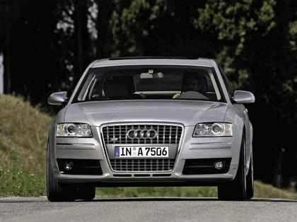 2005 Audi S8 16