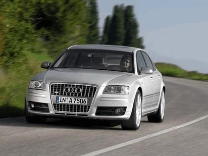 2005 Audi S8 18