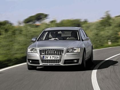 2005 Audi S8 21