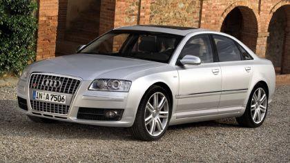 2005 Audi S8 1