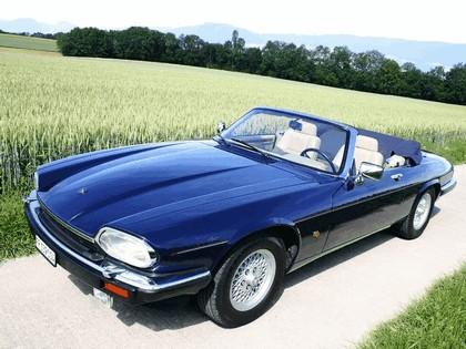 1975 Jaguar XJS convertible 4