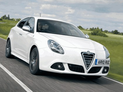 2010 Alfa Romeo Giulietta - UK version 5
