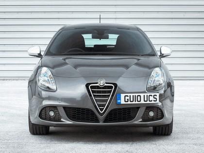 2010 Alfa Romeo Giulietta - UK version 19
